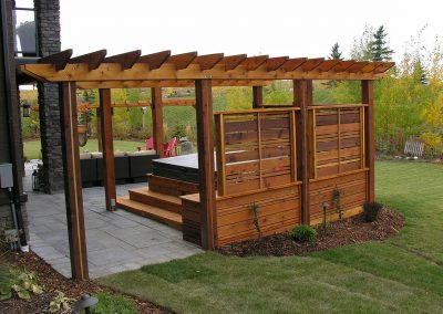courtyard wooden pergola Hot tub