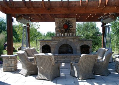 courtyard-outdoor-fireplace-pit001