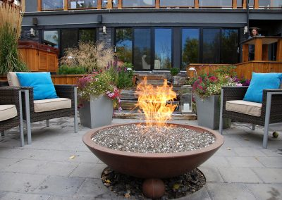 outdoor-fireplace-courtyard-008