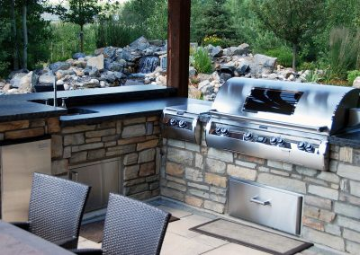 outdoor kitchen barbeque entertaining area