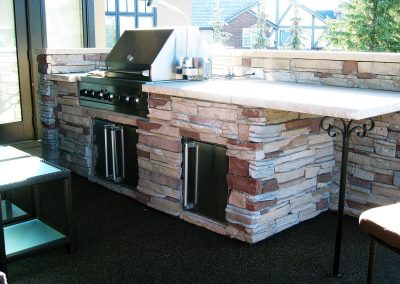 outdoor kitchen barbeque entertaining area outdoor fridge