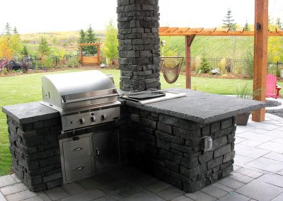 outdoor-kitchen