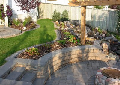 retaining-walls-outdoor-fireplaces-010